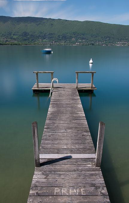 Ponton sur le lac d'Annecy, Menthon Saint Bernard