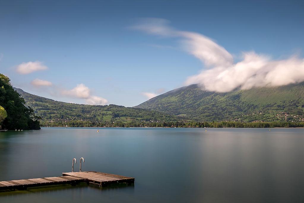 Le Semnoz et le lac d'Annecy vus depuis Menthon Saint Bernard