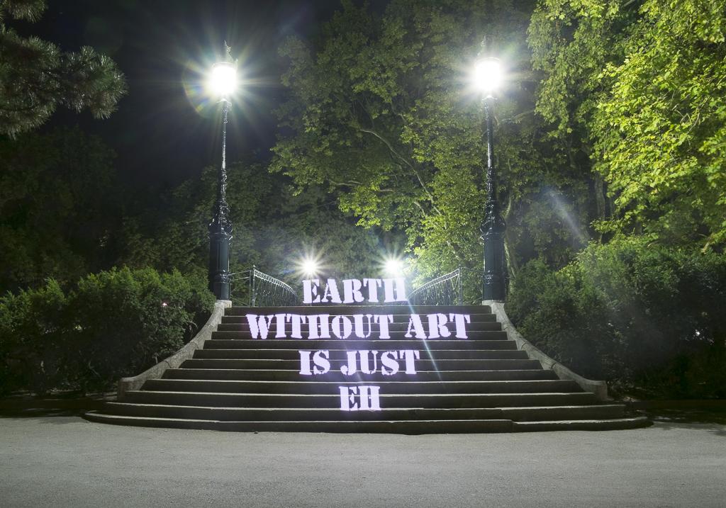 Virtual graffiti